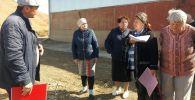 Кызыл-Кыядагы көрүстөндүн четиндеги курулган мал сарайдын чыры