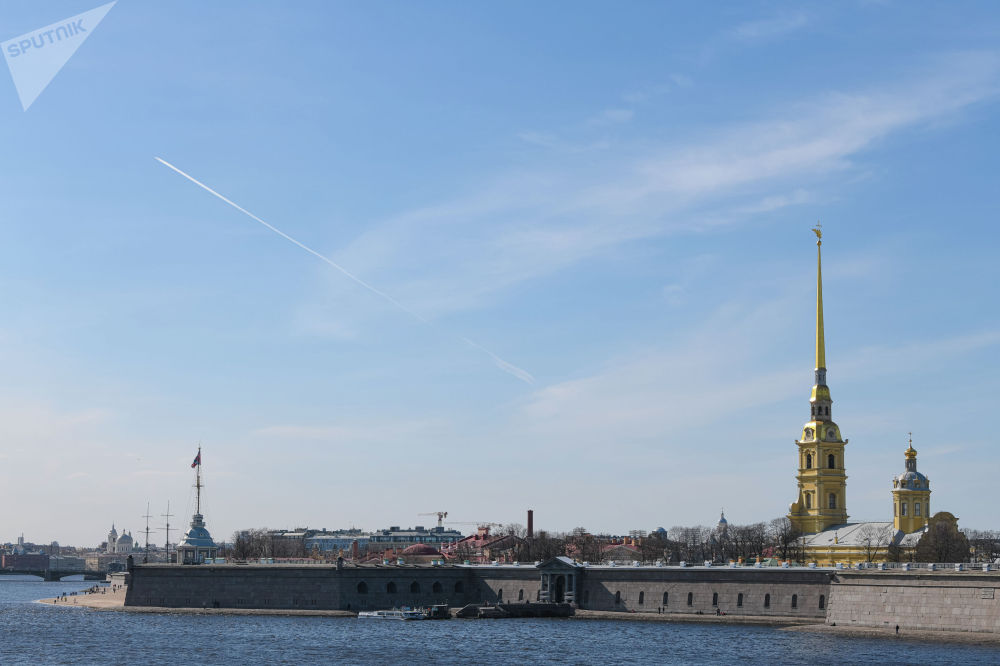 Петропавлов чеби — уникалдуу аскердик, тарыхый жана архитектуралык эстелик. Петр I ылайыктуу жерди караштырып жүрүп, дал ушул аймактан тапкан. Чеп 1703-жылы май айында түшкөн.