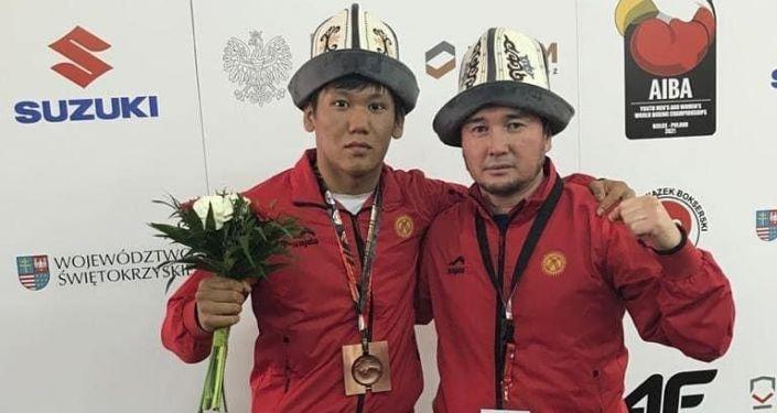 Кыргызстанский боксер Жанторо Ташиев завоевал бронзовую медаль на молодежном чемпионате мира