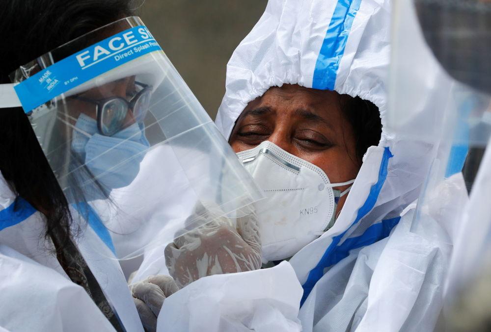 С начала пандемии в Индии выявили 16 960 172 случая заражения коронавирусом