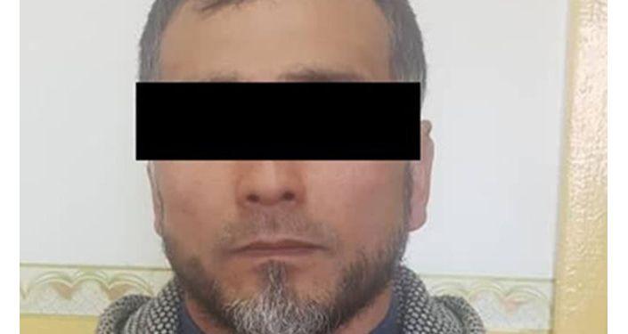 Подозреваемый в автомобиле которого были изъяты брикеты гашиша весом более восьми килограммов в Бишкеке. 26 апреля 2021 года