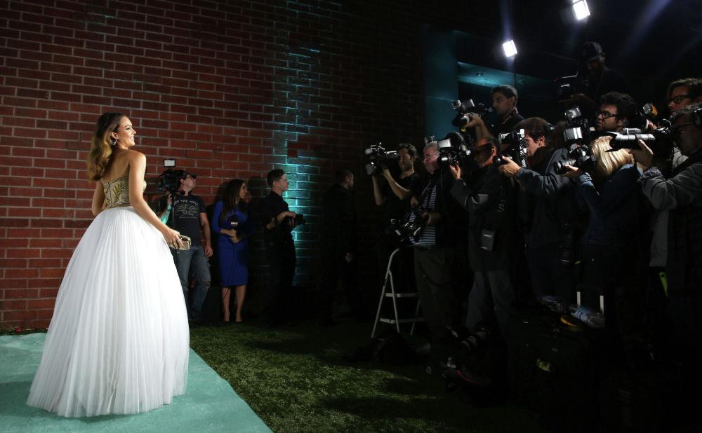 Актриса Джессика Альба на ежегодном гала-концерте Baby2Baby в The Book Bindery в Калвер-Сити, Калифорния. 8 ноября 2014 года