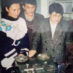 Эмгек жолунун алгачкы жылдары КТРКнын радио тармагында иштеген