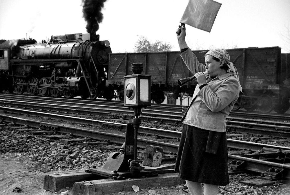 Темир жол станциясында иштеген келин иш маалында