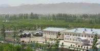 Вид на село Кок-Таш Баткенской области, где были перестрелки между военными Кыргызстана и Таджикистана