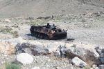 Сгоревший БТР во время военного конфликта в Баткенской области на границе с Таджикистаном