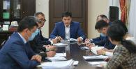 Премьер-министр Улукбек Марипов Ош шаарында, андан соң Бишкекте кыргыз-тажик чек арасындагы абалды жөнгө салуу боюнча кеңешме өткөрдү