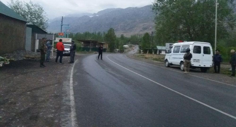 Автодорога Ош — Исфана в Лейлекском районе, открытая после снятия таджикского блокпоста