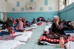 Граждане Кыргызстана, которые были эвакуированы из районов, граничащих с Таджикистаном из-за боевых действий вдоль кыргызско-таджикской спорной границы