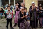 Кыргызстанцы, эвакуированные из районов граничащих с Таджикистаном. Архивное фото