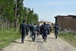 Милиция кызматкерлери Максат айылында