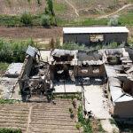 Лейлек районундагы Максат айылындагы өрттөлгөн үйлөрдүн асмандан тартылган сүрөтү