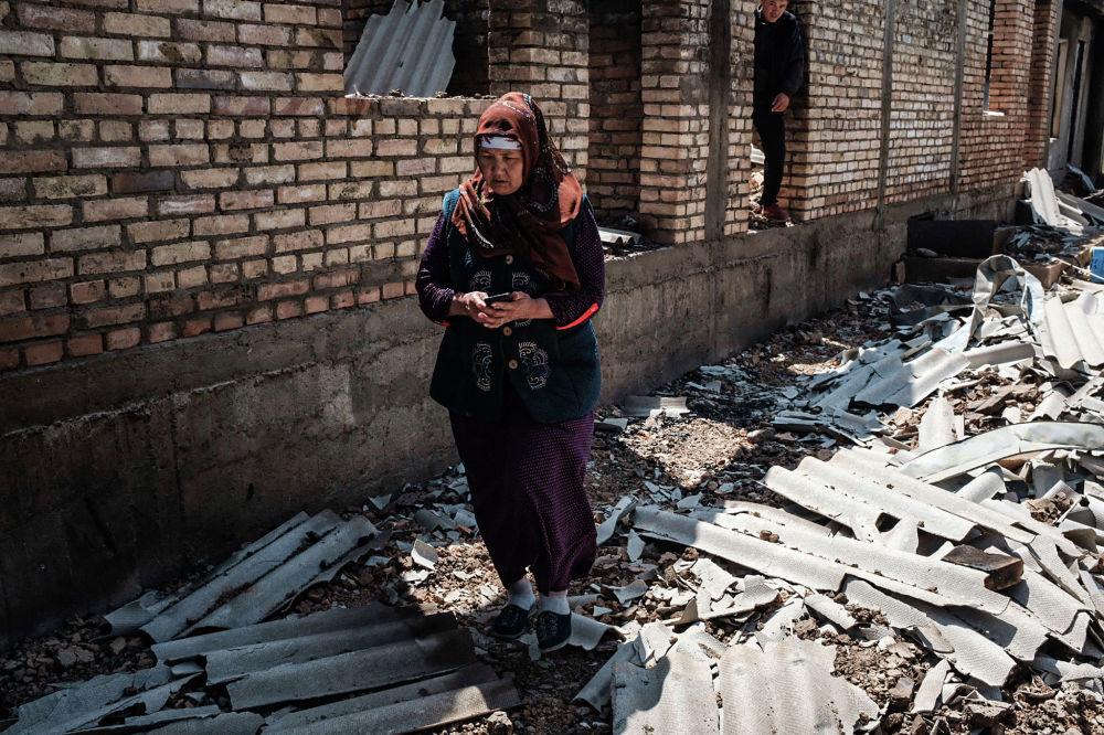 Баткендеги кыргыз-тажик чек ара жаңжалында тажикстандыктар үйүн өрттөп жиберген аял
