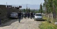 Военнослужащие Кыргызстана в селе Максат Баткенской области, после приграничного конфликта с Таджикистаном