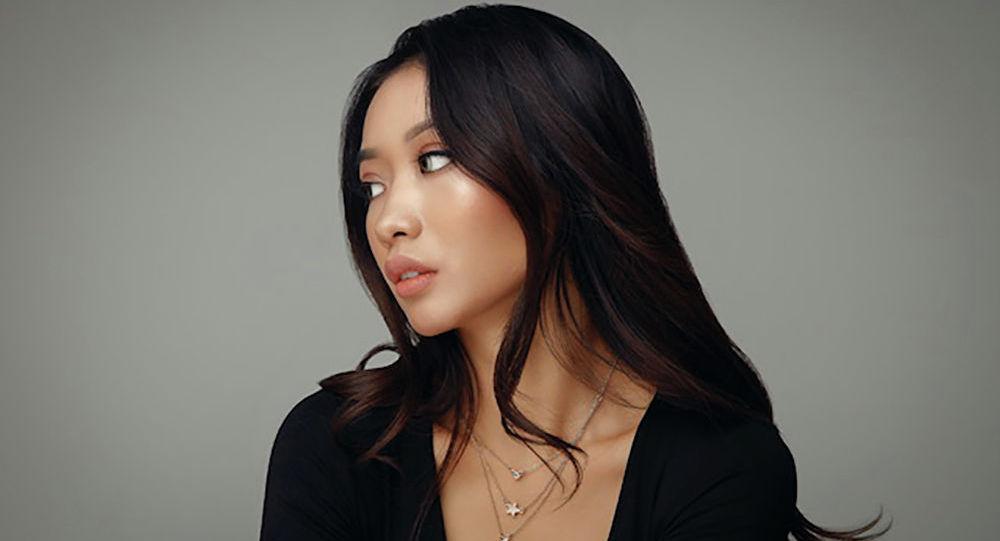 Кыргызстандык модель Разия Мансурова