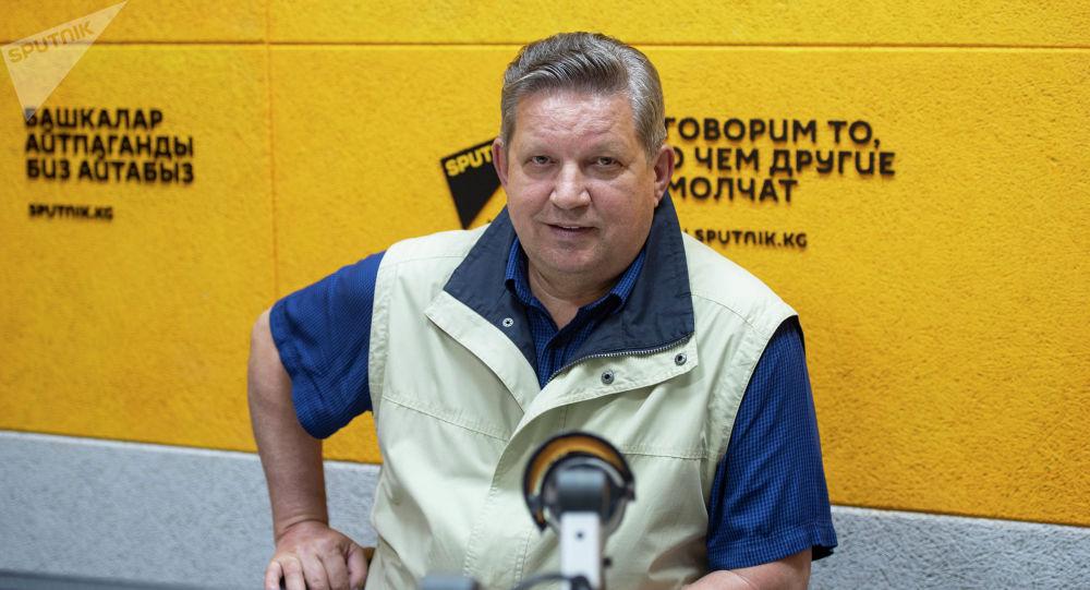 Руководитель представительства Россотрудничества в КР Виктор Нефедов на радио Sputnik Кыргызстан