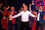 Вчера, 3 мая, на сцене Национальной филармонии состоялся концерт Хора Турецкого и арт-группы Soprano Песни Победы. Артисты исполнили знаменитые композиции о мире, подвиге и любви. Как это было, смотрите в видео Sputnik Кыргызстан.