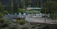 29 апреля вспыхнул вооруженный конфликт на кыргызско-таджикской границе. Причиной стал водозабор Головной возле пограничного села Ак-Сай. В результате погибли десятки мирных кыргызстанцев. Мы сняли эту местность с воздуха.