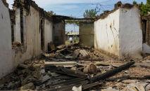 Баткендеги Кыргызстандын жарандарынын талкаланган үйлөрү
