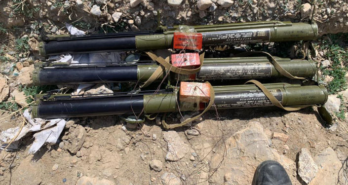 Неразорвавшиеся снаряды, найденные в Баткенской области после приграничного конфликта между Кыргызстаном и Таджикистаном