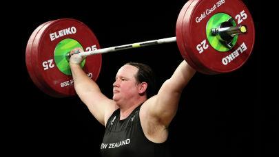 Новозеландская тяжелоатлетка-трансгендер Лорел Хаббард. Архивное фото