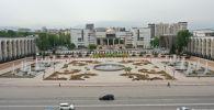 Вид с дрона на площадь Ала-Тоо в центре Бишкека. Архивное фото