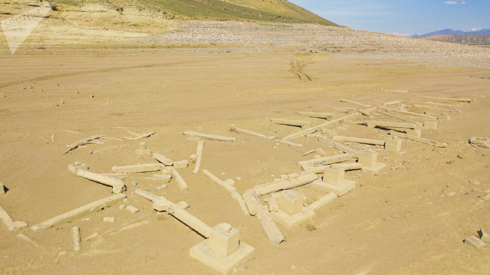 Стали видны сооружения, затопленные более полувека назад для создания водоема