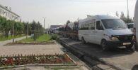 В Баткене людей, эвакуированных из-за приграничного конфликта, отправили домой на специальном транспорте