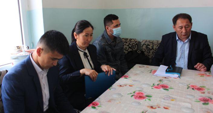 Собрание руководства коалиции против пыток в Кыргызстане по делу пыток кыргызстанцев побывавших в заложниках на территории Таджикистана