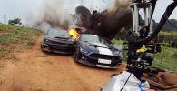 В Сети опубликованы кадры, на которых можно увидеть, как снимались некоторые эпизоды фильма Форсаж 9.