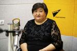 Заместитель директора по воспитательной работе Бишкекского медицинского колледжа Азиза Мырзаева на радио Sputnik Кыргызстан