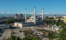 В мечетях Кыргызстана прошел праздничный намаз по случаю Орозо айта. Мы сняли его, чтобы показать вам.