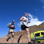 Участники во время забега на 9-ом Международном марафоне Run the Silk road — Shanghai Cooperation Organization в селе Бактуу-Долоноту Иссык-Кульской области