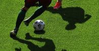 Тени игроков матча по футболу