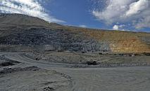 Добыча золотоносной руды на руднике Кумтор разрабатываемый компанией Centerra Gold Inc. Архивное фото