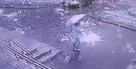 Санкт-Петербург шаарында 20-майда оттуу жамгыр жаап, таң калычтуу кадрлар видеого тартылып калган. Окуя шаардын түштүк-батыш жагында болгон.