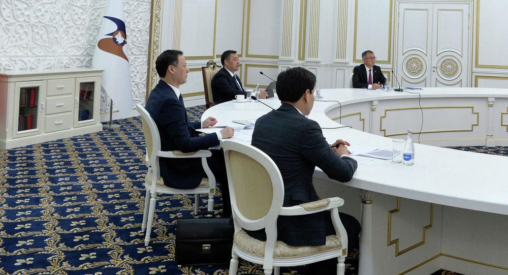 Президент Кыргызстана Садыр Жапаров принимает участие в очередном заседании Высшего Евразийского экономического совета (ВЕЭС) в формате видеоконференции