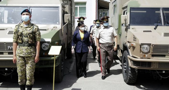 Церемония передачи военно-технической помощи Китаем Кыргызстану