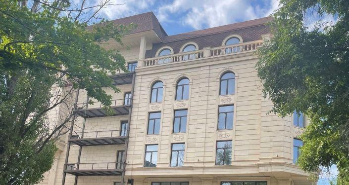 Недвижимое имущество приобретенное незаконным путем бывшего мэра Бишкека Азиза Суракматова