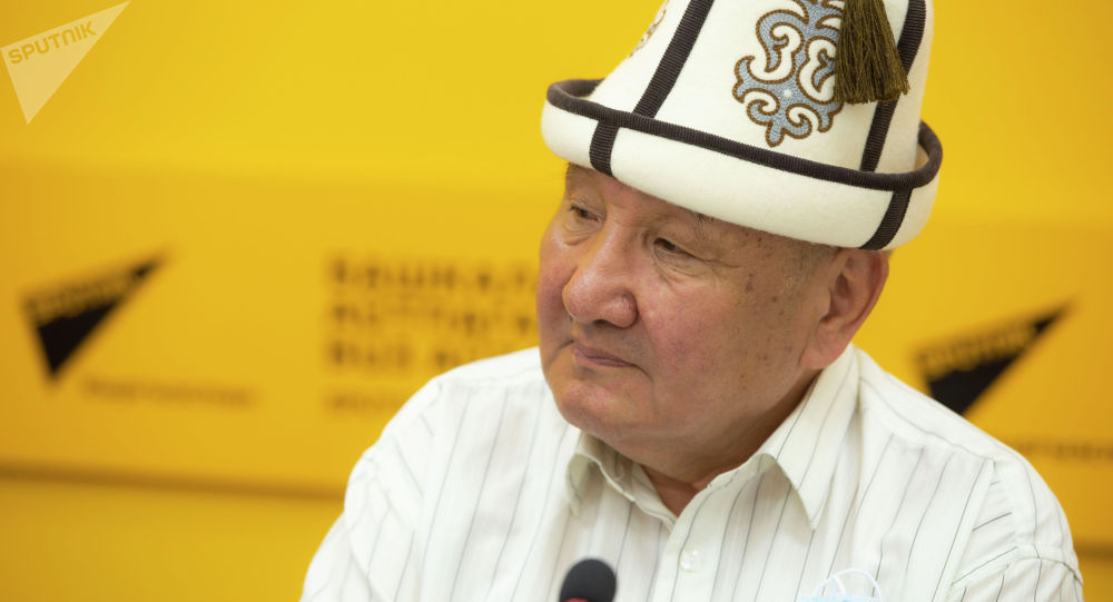 Народный артист Кыргызстана, юморист Келдибек Ниязов на брифинге в пресс-центре Sputnik Кыргызстан