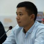 Специалист Управления развития культуры Министерства культуры, информации, спорта и молодежной политики Адилет Ороскулов во время круглого стола в пресс-центре Sputnik Кыргызстан