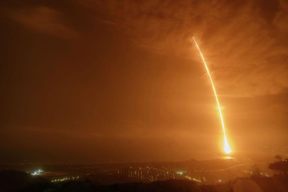 Китайская ракета Long March-7 Y3 с автоматическим космическим кораблем для пополнения запасов Тяньчжоу-2 взлетает с космодрома Вэньчан в провинции Хайнань, Китай. 29 мая 2021 года