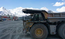 Самосвалы на руднике Кумтор. Архивное фото