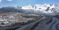 Вид на карьер на месторождении Кумтор, где компания Kumtor Gold Company добывает золотую руду в Иссык-Кульской области КР.