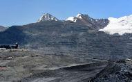 Вид на карьер на месторождении Кумтор