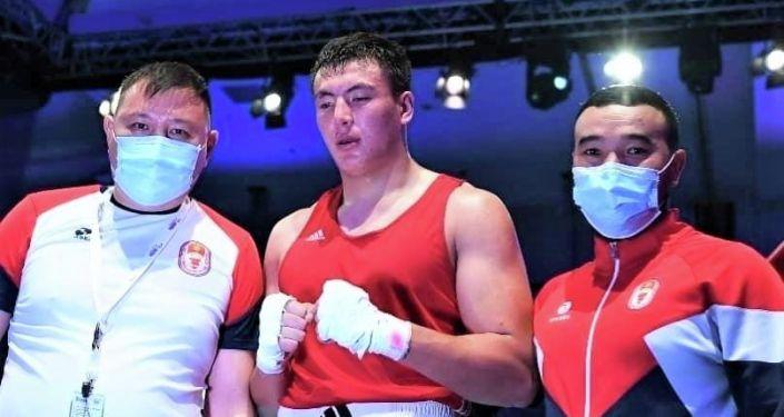 Кыргызстанский боксер Рустам Рысбек уулу на Чемпионате Азии по боксу в ОАЭ