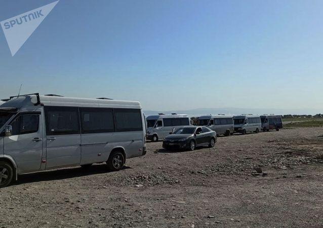 Маршрутные такси во время забастовок в Бишкеке