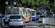 Троллейбусы на одной из улиц Бишкека