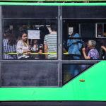 Автобустар менен троллейбустарда киши көп болууда