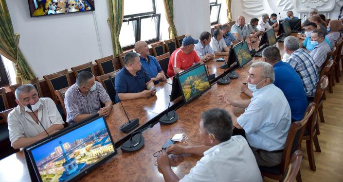 Встреча и.о. мэра столицы с руководителями ассоциаций и фирм-перевозчиков микроавтобусных маршрутов